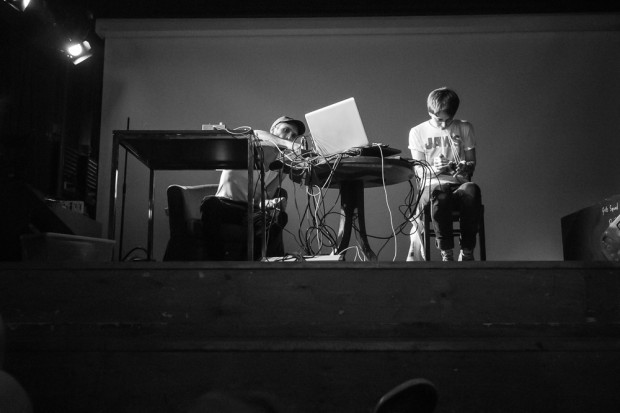 Niko LFO and Katharina Hauke each played an instrument featuring audio feedback.